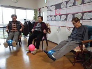 20151103今回は、ボールを使った体操を少しご紹介したいと思います☆4