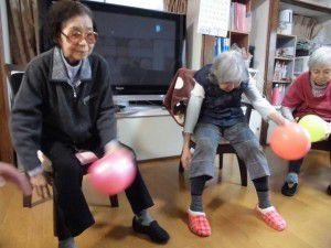 20151103今回は、ボールを使った体操を少しご紹介したいと思います☆3