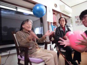 20151103今回は、ボールを使った体操を少しご紹介したいと思います☆6