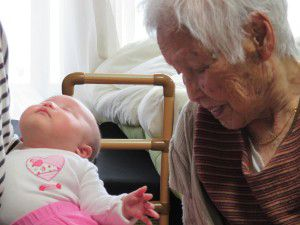 20150504産休を取っているスタッフが赤ちゃん連れて遊びに来てくれました。