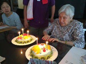 20150916-97歳のお誕生日を迎えられた利用者様のお祝いをさせて頂きました♪3