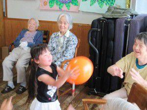 20150629小さくてかわいいボランティアの子供たちが時々来てくれます。5